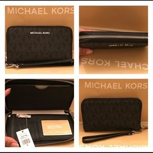 MICHAEL KORS JET SET LG FLATPH CASE WALLET